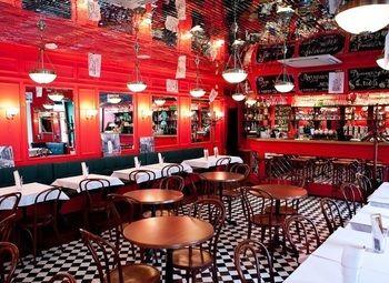 Раскрученный ресторан на Невском в аренду