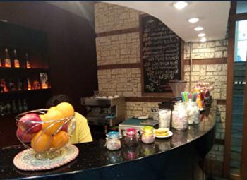 Кофейня+кофе с собой у метро за выгодную цену