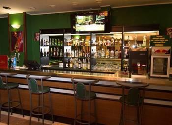 Прибыльное кафе бар в центре города