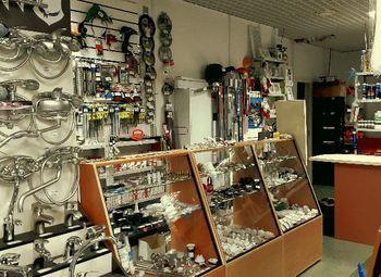 Магазин сантехники и стройматериалов в Приморском районе