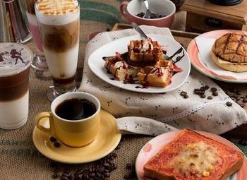 Сеть магазинов кофе мороженное в крупном ТРК