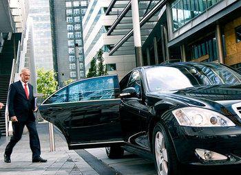 Сервис по аренде автомобилей с водителем