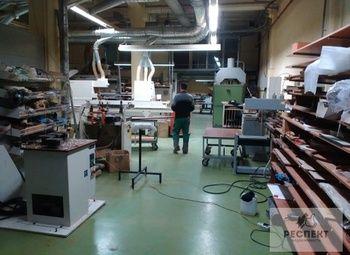 Работающее мебельное производство