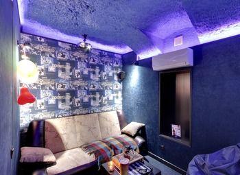 Lounge кино-кафе с высокой прибылью