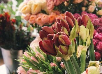 Новый цветочный магазин в проходном месте