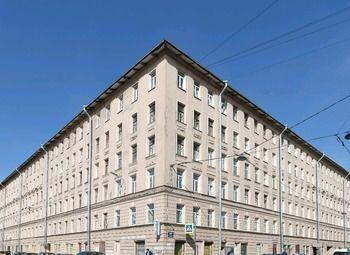 Мини-отель рядом с метро + квартира на Петроградской стороне