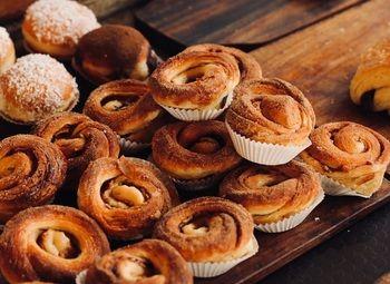 Пекарня на оживлённой улице в центре